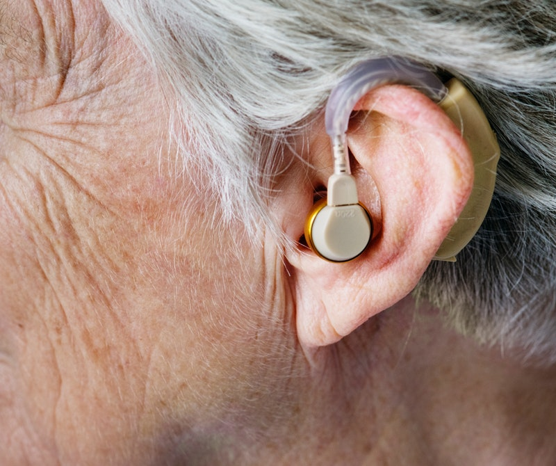 Pros and Cons of Rechargeable Hearing Aids